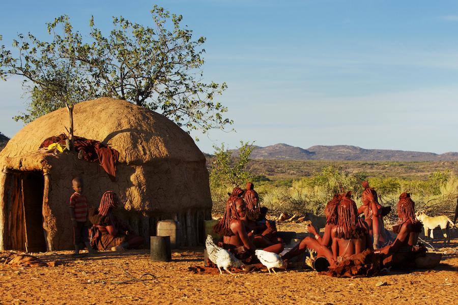 Himba--Namibia-Photo-Safari-BV2U8725